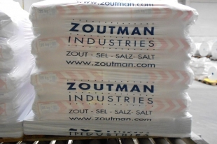 Salt Supplies Ireland; Available in pallets of 40 x 25kg bags